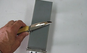 Please paint oil on the sandpaper and grind your knife. Please do no push the knife in the direction on the tip of the blade. There is a possibility of cutting the sandpaper.